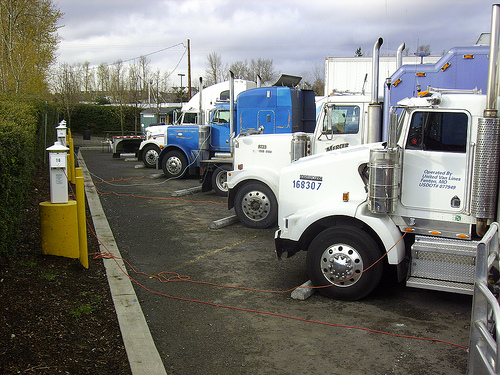 trucks plugged in with Shorepower
